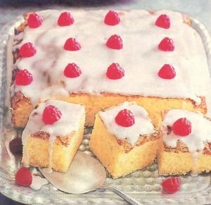 Blechkuchen mit Zuckerguss