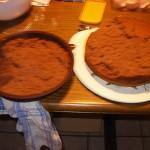 Der Kuchen hängt in der Form 1