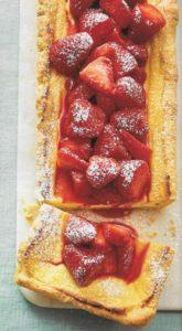 Käsekuchentarte mit Erdbeerkompott