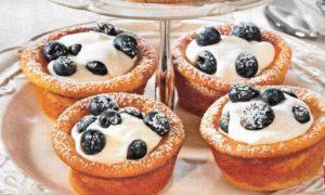 Käsekuchen Muffins mit Heidelbeeren