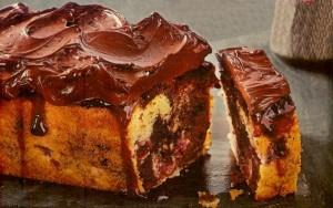 Kirsch Marmorkuchen mit Schokosahne