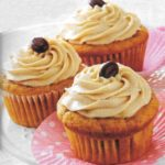 Süßkartoffel-Muffins mit Cappuccino-Creme