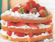 Sahne-Erdbeer Cake