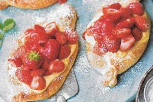 Vanille-Erdbeer Schiffchen
